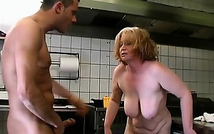 Horny mature slut gets concupiscent