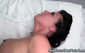 Fetish doxy facialized after getting rammed