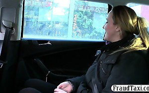 Separated woman anal fucked by the driver for a free fare