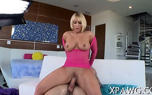 Curvy slut knows how to ride a dong