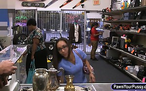 Gal desperately needs specie gets screwed at the pawnshop