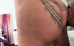 Tatted Curvy Hoe Bella Bellz Sucks Large Chubby Dong