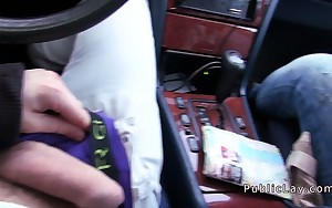 Dark brown amateur babe bangs in car in public